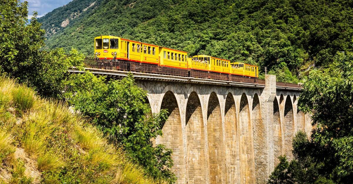 """Résultat de recherche d'images pour """"train jaune"""""""