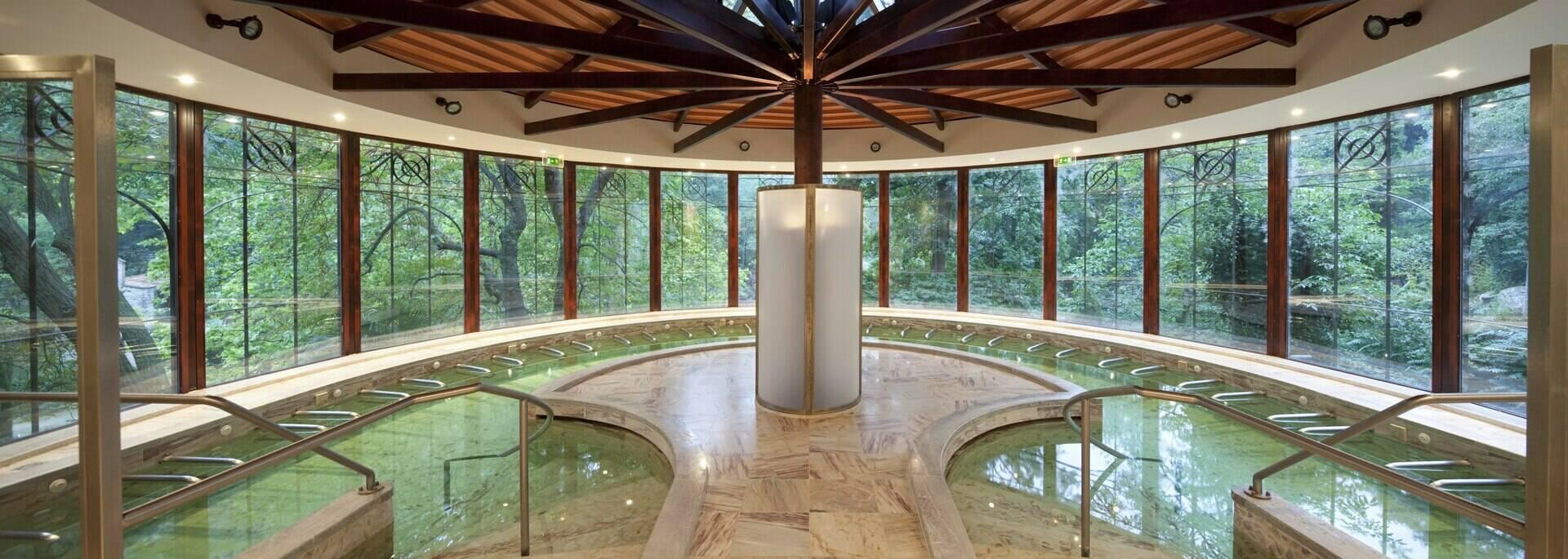 piscine thermale molitg-les-bains