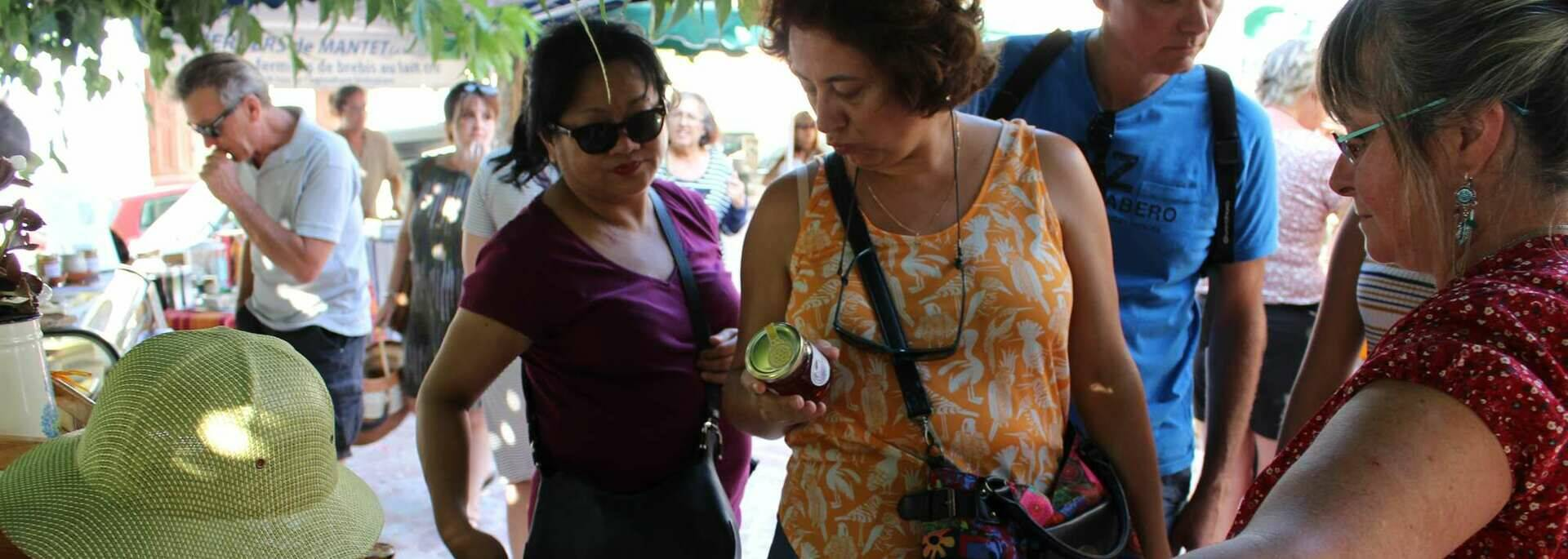 Patricia et son miel - marché de la Rotja