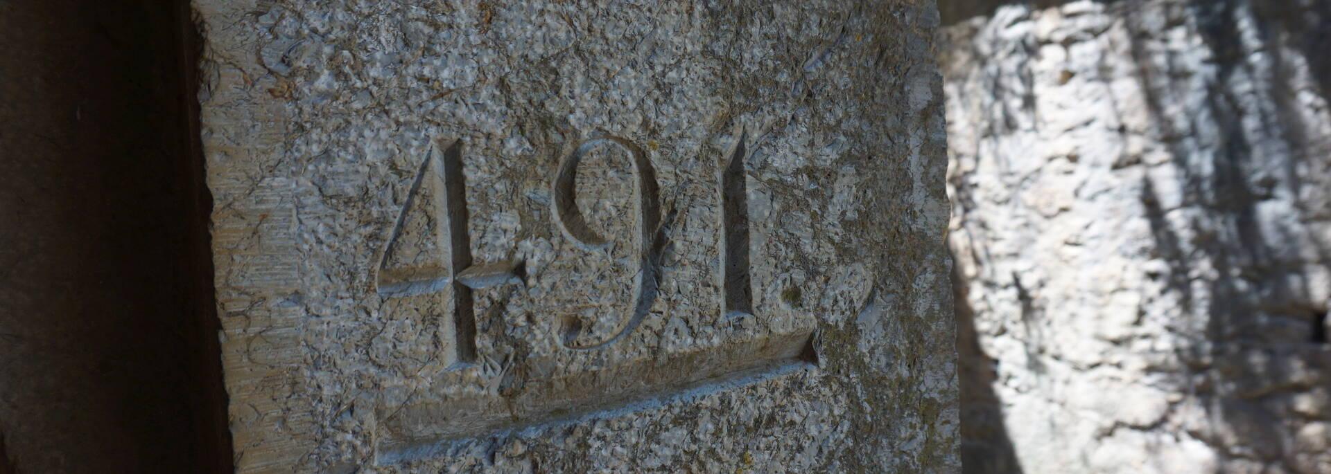 l'altitude est gravée dans la pierre - Fort Libéria