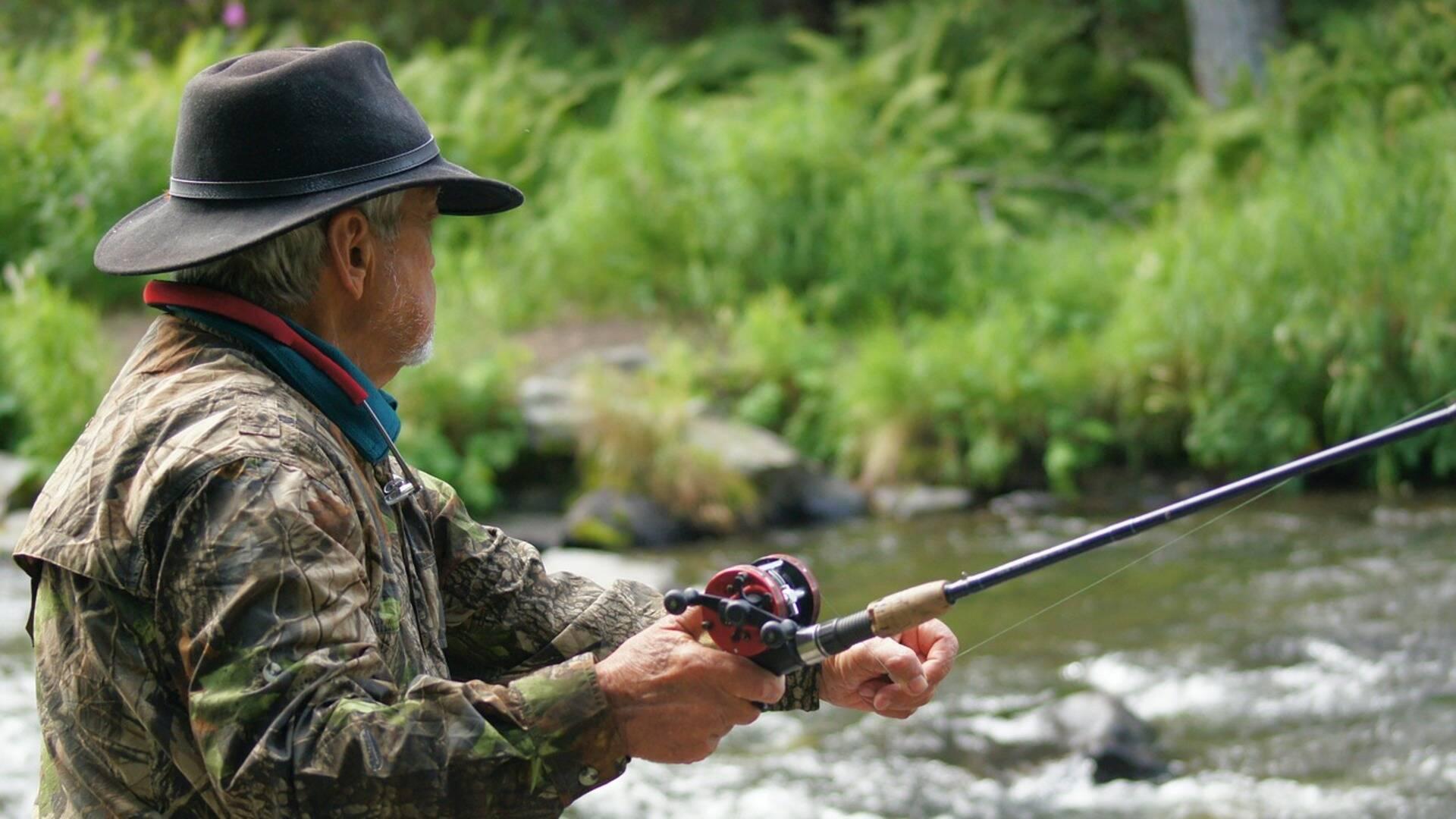 Un pêcheur à l'oeuvre