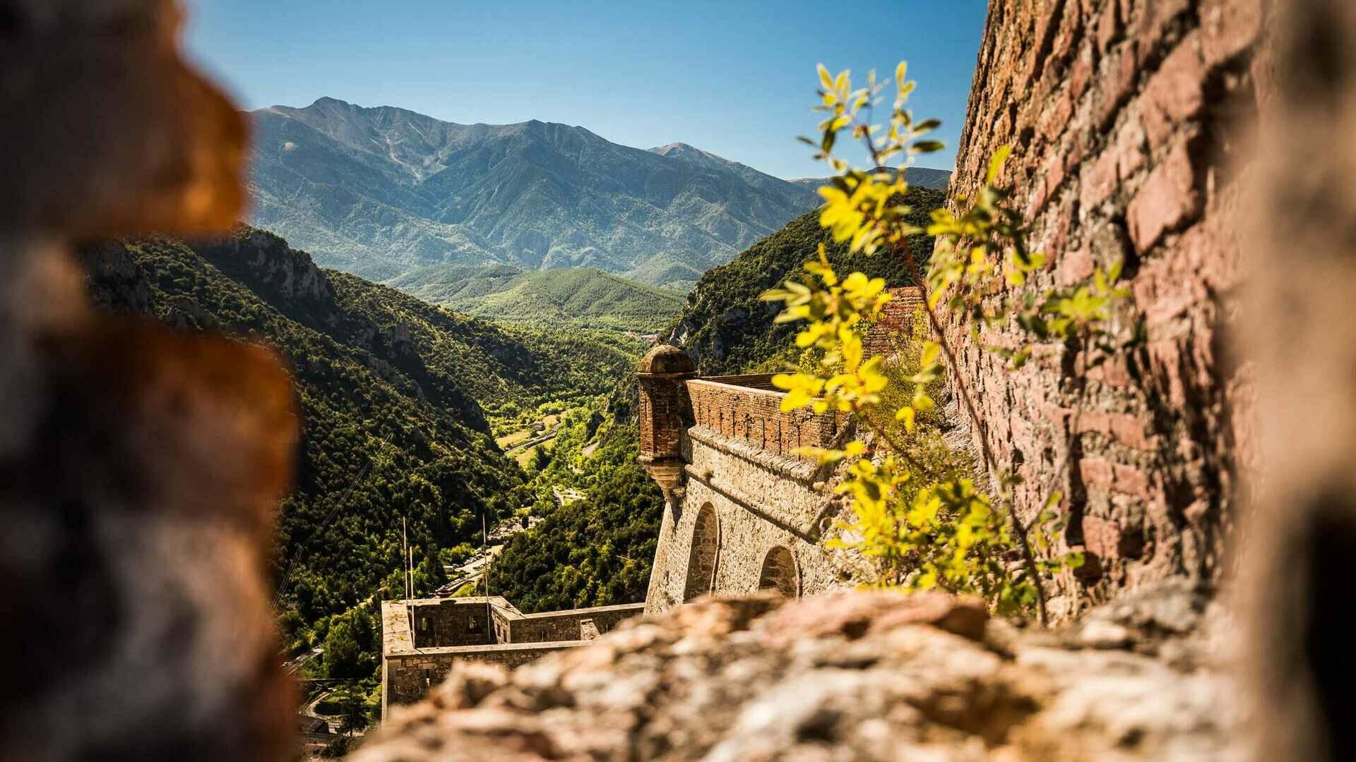 Vue sur la vallée du cady depuis le fort libéria