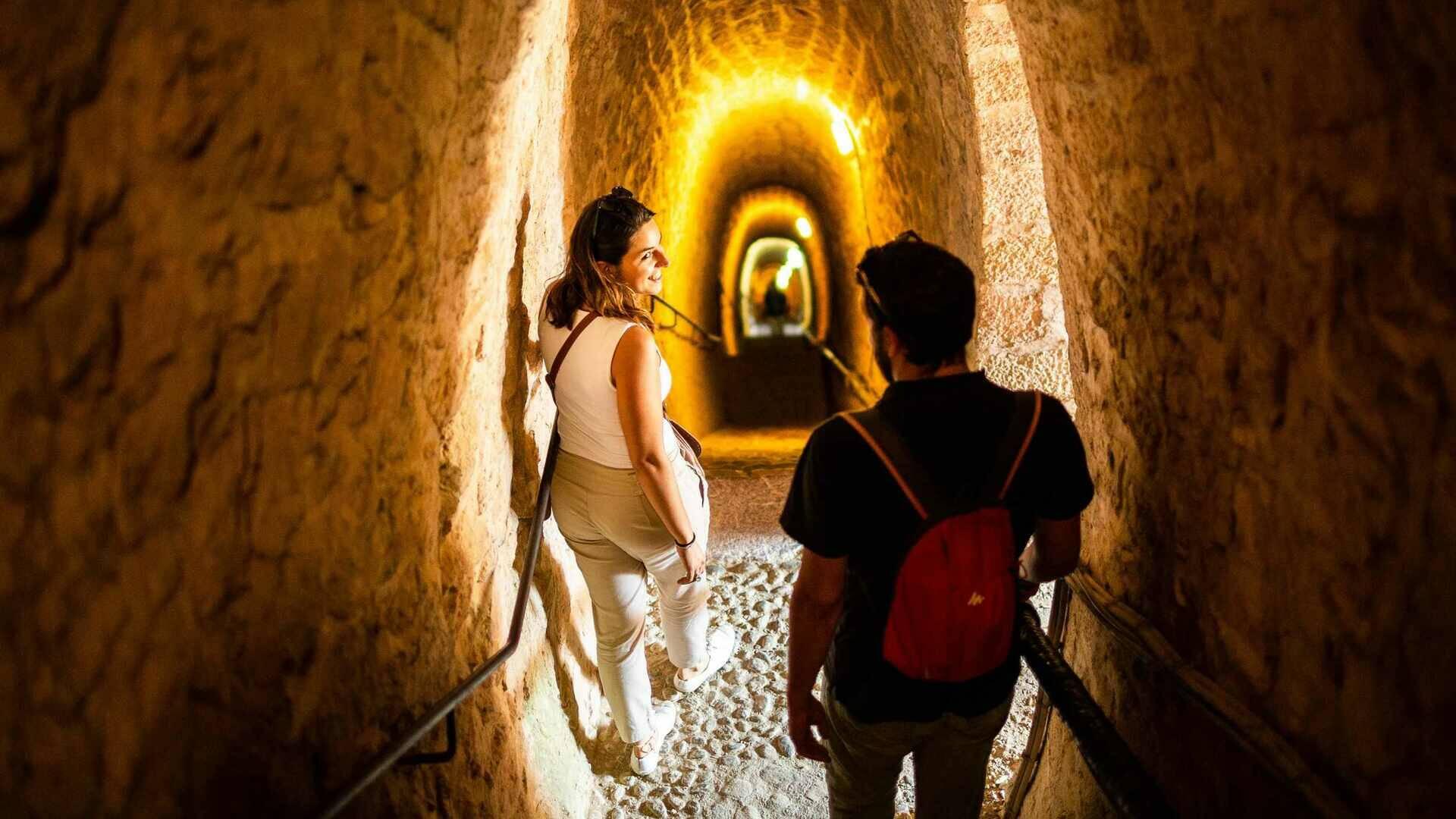 Dans le souterrain dit des 1000 marches du Fort Libéria